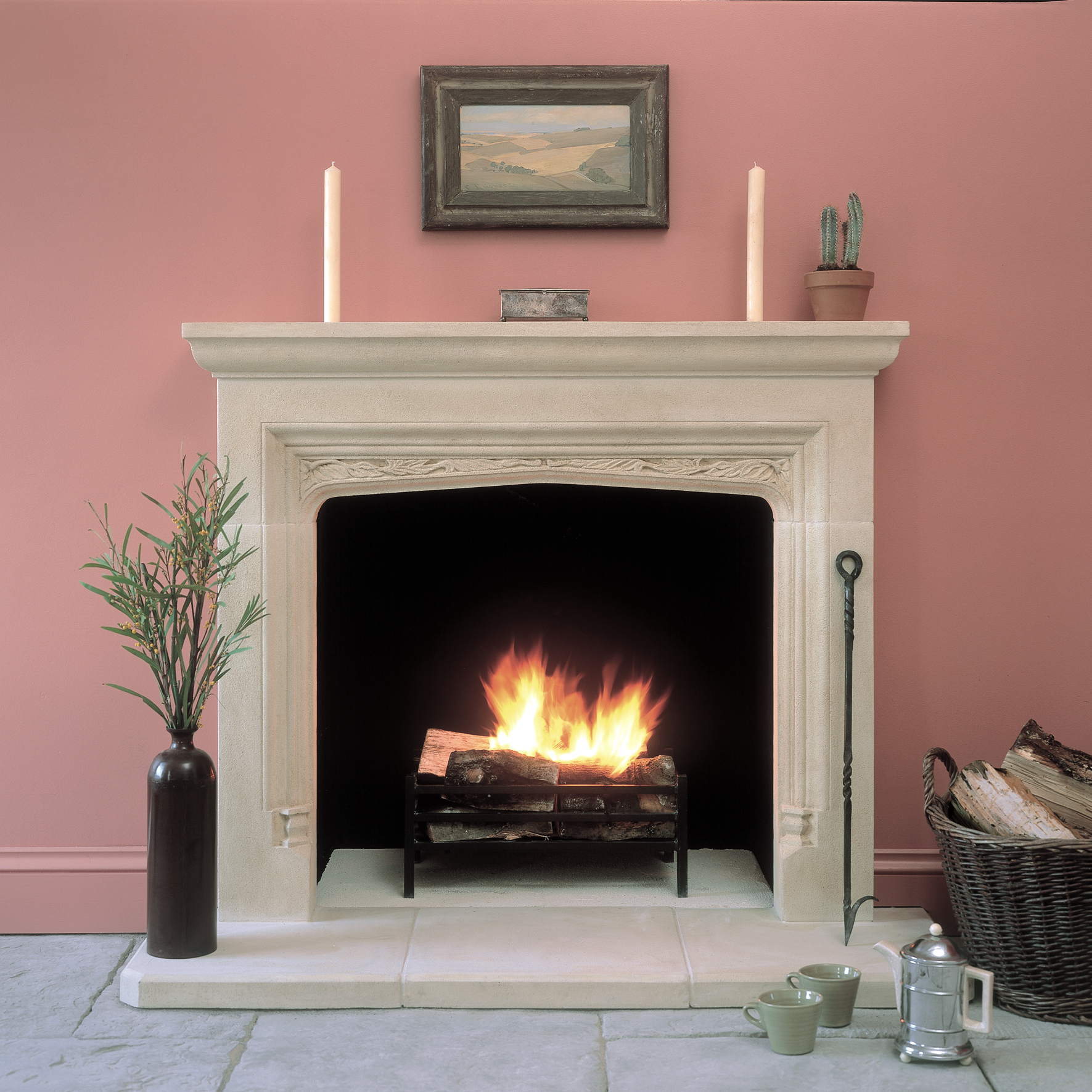 Tudor rudloe for Tudor style fireplace